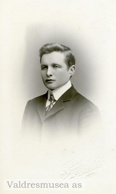 Ungdomsfoto av Ola Lundene