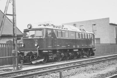 NSBs elektriske lokomotiv El 8 2054 ved leveransen 25
