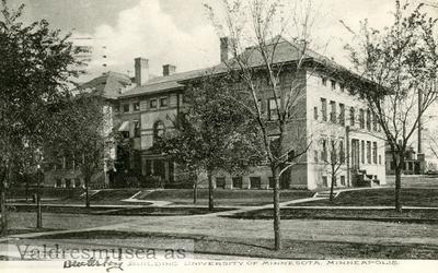 Postkort med motiv av University of Minnesota
