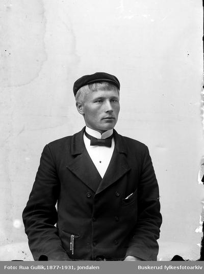 Mannsportrett Thorleif Lihagen