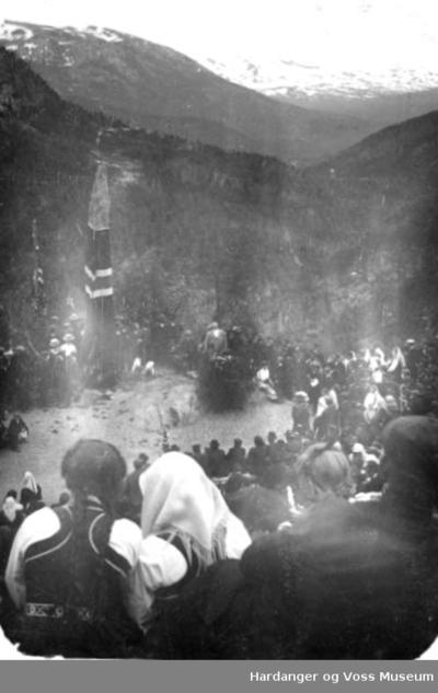 frå avdukinga av Sivlesteinen