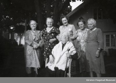Foran Kirsten Flagstads mor Marie Flagstad