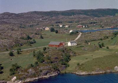 Eiendommer ved Leirvågan