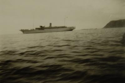 Turistskip på en fjord ?