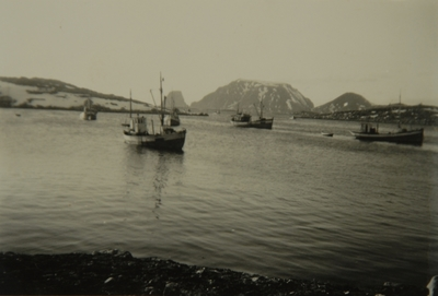 Fiskebåter på felt