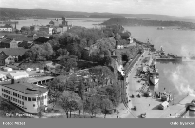 Utsyn over Skansen restaurant og Akershus festning