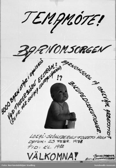 Affischer för Medelpads Socialdemokratiska kvinnidistrikt.