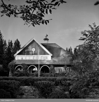 Villa Granliden, Stenvik. Sommarhus, uppfört 1917 av grosshandlare Wilhelm Österberg. Ombyggd under perioden 1930-1950.