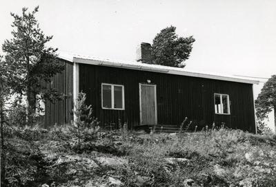 Västerbotten, Kräkångersnoret. Nuvarande matbarack vid Lövsele såg. Fram till 1943 användes den som kafé.