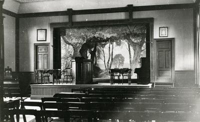 Interiör från Ordenshuset i Norrbyskär c:a 1920.