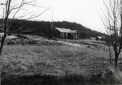 Ångermanland, Trysunda. Skolan, byggd 1904. Den drevs fram till mitten på 1960-talet då elevunderlaget blev för litet. Numera är den mest uthyrd som sommarstuga.
