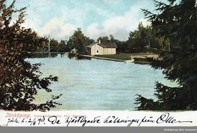Övre dammen i Vattenledningsparken i Jönköping. Brevkort skickat 1910-08-02.
