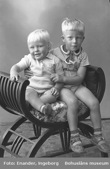Enligt fotografens journal nr 6 1930-1943: Hedin, Sture o Bengt Stenungsund.