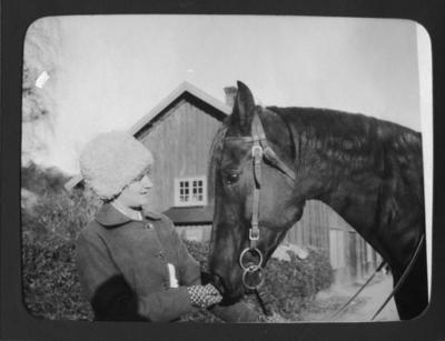 Cintra Kay på Sundsby säteri 1919
