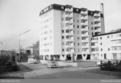 Intill Smedbyn vid Hakarpsvägen i Huskvarna ligger höghuset som kallas Åbäket.
