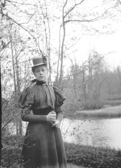 Anna. År 1899.