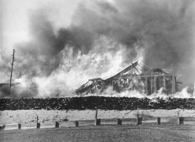 Habo Laggkärlsfabrik. Habos hittills största brand ägde rum den 20 april 1943 och redan under oktober månad så var delar av produktionen igång i den nya fabriken.