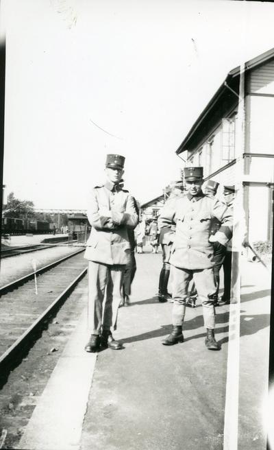 Suneson, furir, Ing 3 och volontär Andersson.