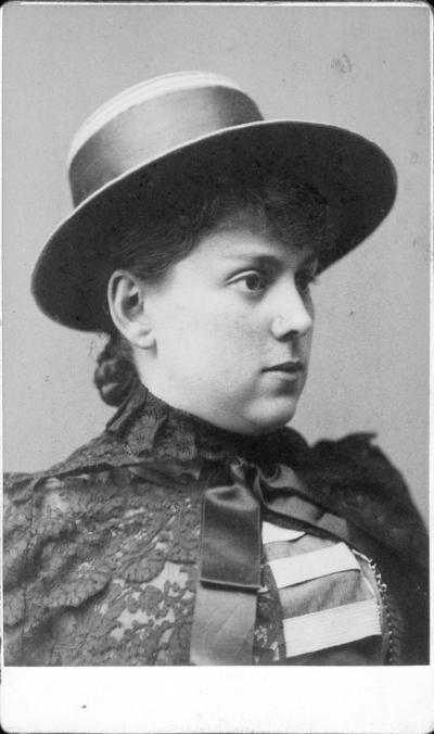 Porträtt av Emilia Bauer.