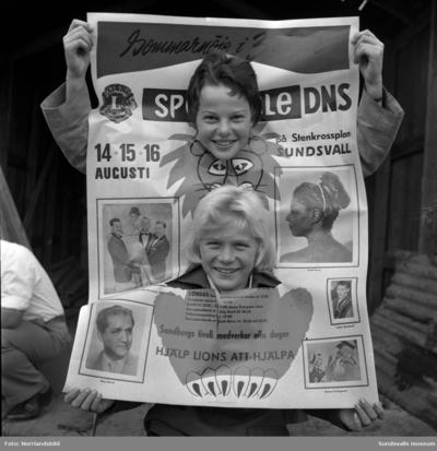Lions och Dagbladet afficherar för Spectacle, tre dagars festligheter med bland andra Little Gerhard, Stig Järrel, Jonny Svängmans, Ruth Reese och Sandbergs tivoli på Stenkrossplan.