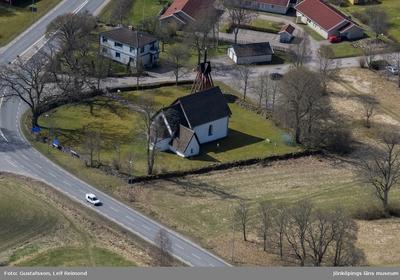 Flygfoto över Myresjö gamla kyrka i Vetlanda kommun.