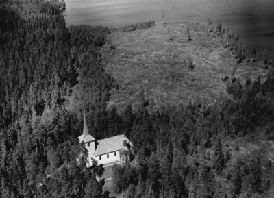 Flygfoto över Ohs kyrka i Värnamo Kommun, Jönköpings län. Nr: 333/1957