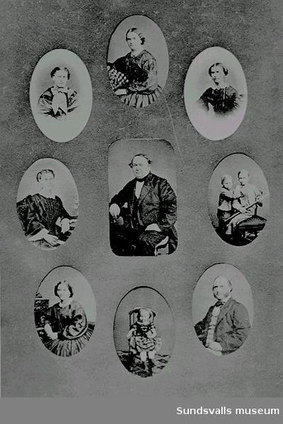 Kihlbaums familj.  Repro av porträttsamling, gjord av fotograf Maria Kihlbaum. I mitten Marias farfar Sven Abraham Kihlbaum f. 1806 d. 1866 (skeppsredare och grosshandlare). Överst hans hustru Anna Charlotta og Guldbrandson f. 1802 d. 1856. Porträtten runt om föreställer deras barn och barnbarn. De flesta av döttrarna dog i ungdomen av TBC. Endast sonen Carl August (längts ned till h. bildade familj) och var alltså Marias far. Barnbarnen är troligen Carl Wilhelm och Axel samt Anna Charlotta.