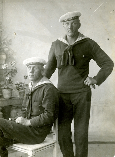 Två sjömän, den ena från kanonbåten Blenda och den andre från Undervattensbåten nr 3.