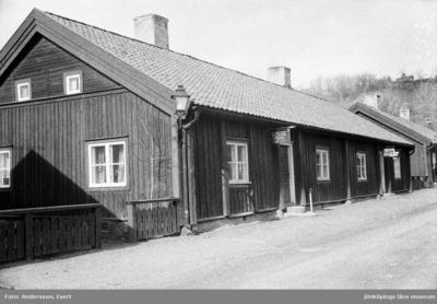 Gunnar Svensson har sin tecknarstudio i Smedbyn i Huskvarna.