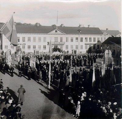 Stora torget. Från kungsjubileet 16/6 1938. Konung Gustav V:s 80-årsdag.