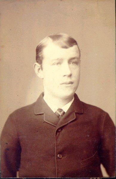 Karl Strömbäck (enligt annan uppgift Fritiof Bergman).