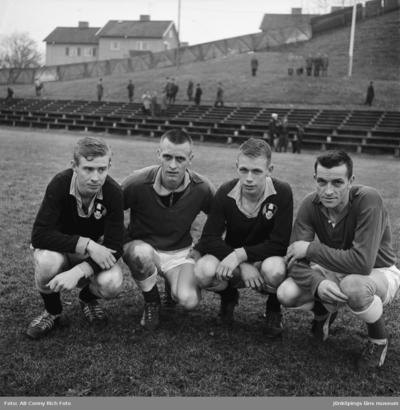 Kvartett med bröderna Falk på Vapenvallen i Huskvarna.