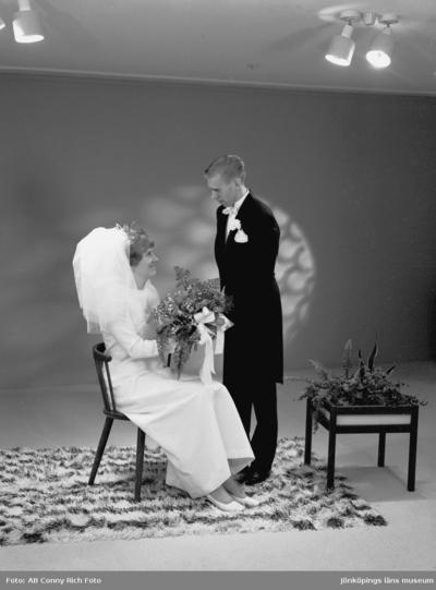 Hans Nyrén med fru. Bröllopsfoto år 1970.