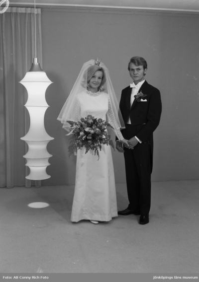 Bröllopsfoto Urban Isacsson och hans fru år 1970.