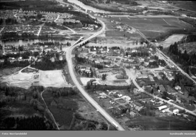 Bilder från Ljungans nedre lopp med Krokforsen, Tunbyn, Nolbyströmmen och genom Njurunda, delvis flygfoton, på uppdrag av planeringskontoret.