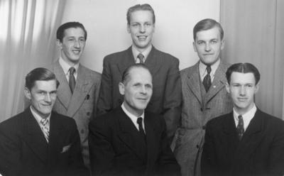 Övre raden från vänster Sven Nordin, nedre raden från vänster Gustav Nordin och längst till höger Åke Nordin. (De är bröder)