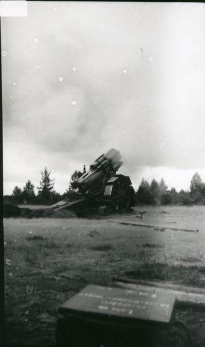Haubits m/1917. 21 cm, skjutning i Skillingaryd.