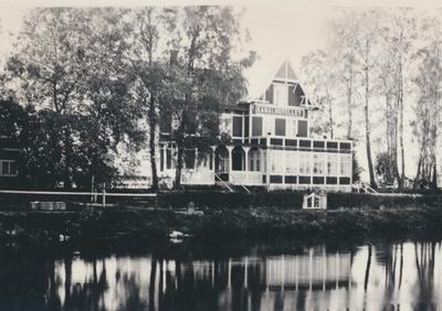 Karlsborg i början av 1900-talet. Kanalhotellet.