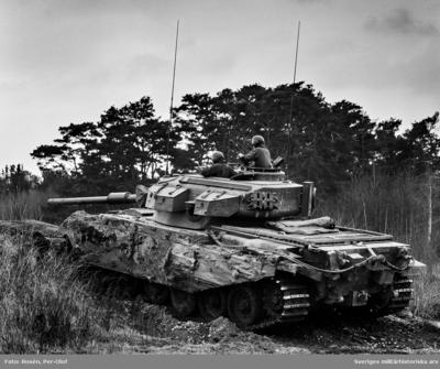 Stridsvagn 101 Centurion i eldställning.  Milregnr: 326