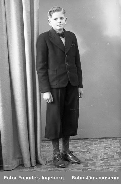 Enligt fotografens journal nr 7 1944-1950: Karlsson, Hjalmar Solliden, Spekeröd.