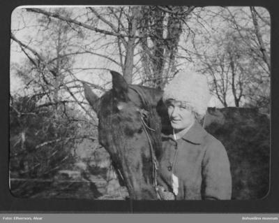 Cintra Kay på Sundsby säteri vintern 1919