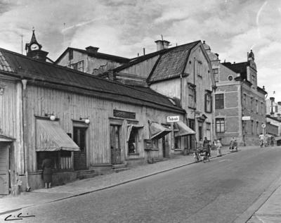Enköping, kvarteret Borgmästaren nr 9, Kungsgatan 18-16, mot norr