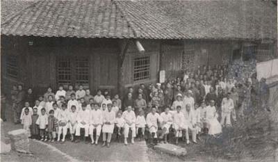 Yungshuenilaista kirkkoväkeä helluntaina 1925