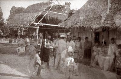 Shipibo-intiaaneja uudenvuodenpäivänä