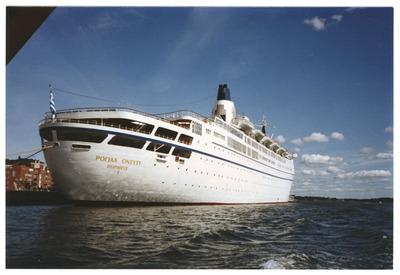 m/s Royal Odyssey Katajanokan laiturissa