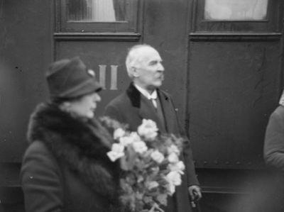 presidentti ja rouva Ståhlbergin paluu Helsinkiin kyydityksen jälkeen