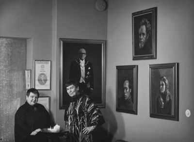 Eila Marjala ja Margit Ekman Kuvasiskot -studiolla