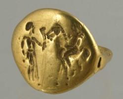 Златен пръстен.