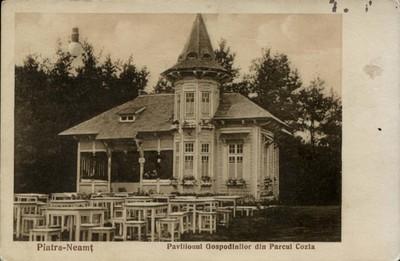 Piatra-Neamţ. Pavilionul Gospodinilor din Parcul Cozla