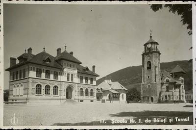Piatra-Neamţ. Şcoala nr. 1 de băieţi şi Turnul